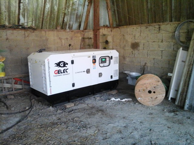 Un groupe électrogène 35 kVA pour un élevage de veaux