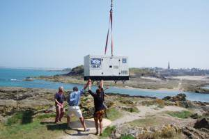 A genset winching in an island in Saint-Malo