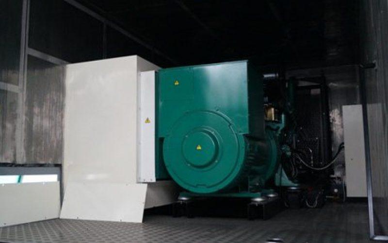 Installation d'un groupe électrogène conteneurisé dans une école en Bretagne
